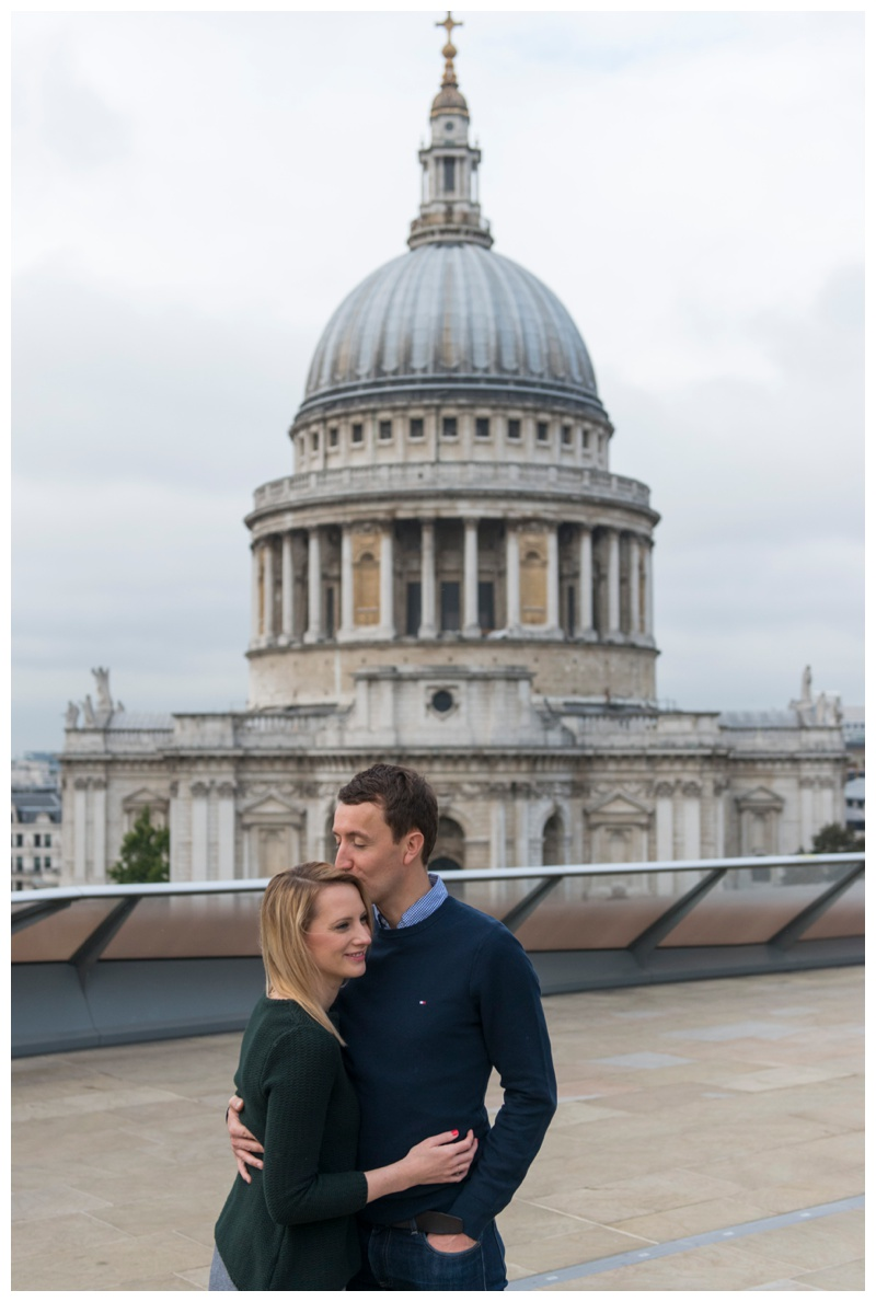 relaxed London engagement shoot